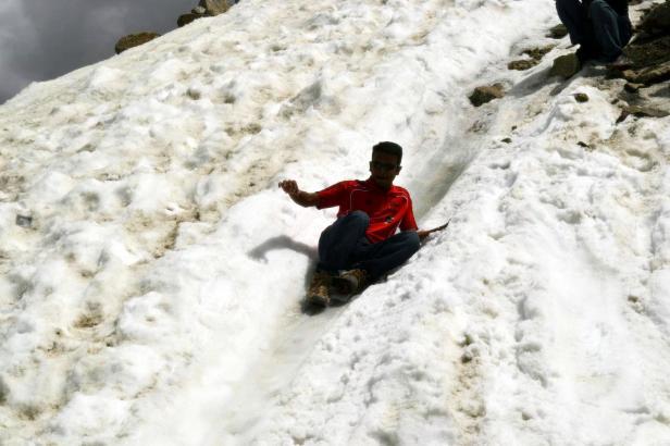 A lil snow slide at 15000ft!!
