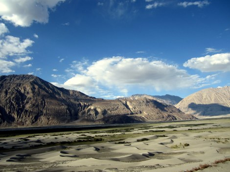 As we descended into the valley and approached Hunder, the cold desert awaited us.