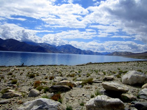 This is what a good morning by the side of Pangong looks like!